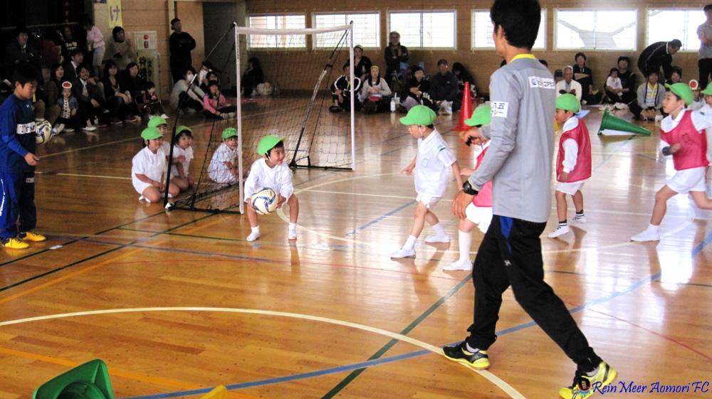 「出前わくわくサッカー教室」若芽保育園運動会レポート